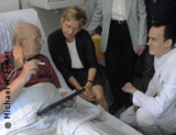 Photo: Patient and the Saxony's minister of health