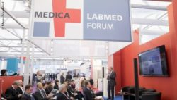 Bild: Volles MEDICA LABMED FORUM; Copyright: Messe Düsseldorf