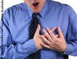 Photo: Man with heart attack