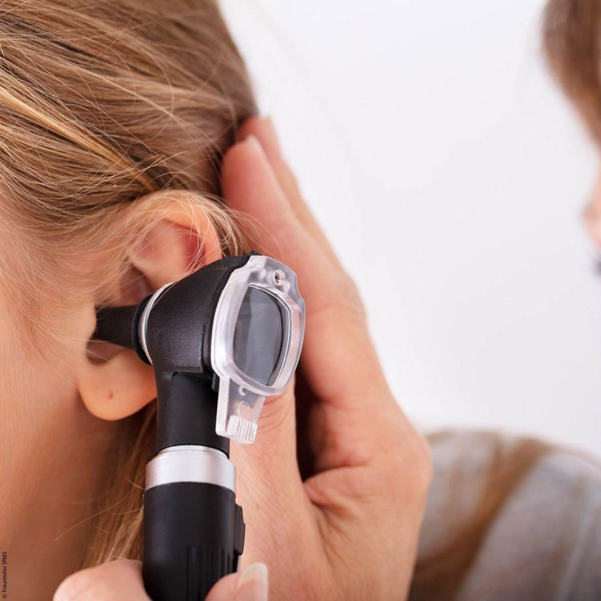Sensors: diagnosing middle-ear infection with ultrasound