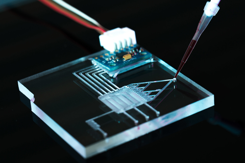 Adhesive solutions for Microfluidic devices