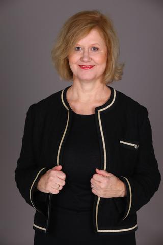Mag. Annette Stampfer