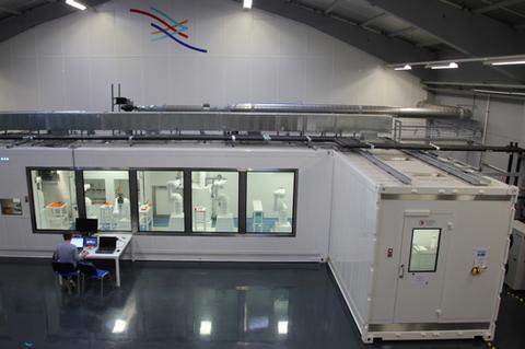 """""""Texere Biotech bietet die automatische Roboterlinie BONEFIDE® für die Herstellung von Knochentransplantaten an."""