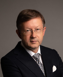 dr Jacek Stępień